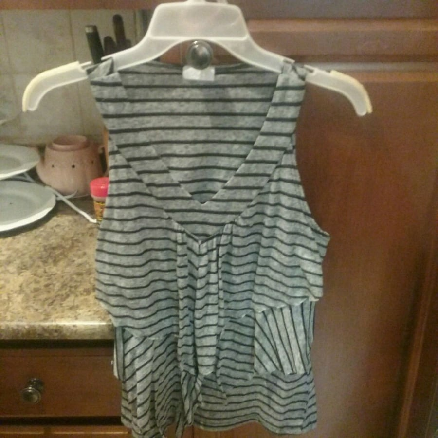 Woman's top size small