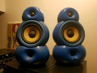 two blue and black dumbbells 540 km