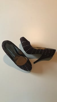 SIZE: 10. NEW. Brown  with polka dot stilettos Winchester, 22602