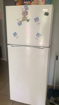 white top-mount refrigerator Sebring, 33870