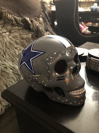 "New""Dallas cowboys ceramic skulls Los Angeles, 90037"