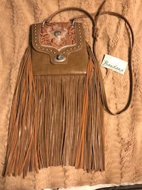 *Bandana* beautiful ALL leather crossbody purse Monroe, 71203