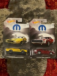 Hot wheels Challenger vs Roadrunner Mopar series  Everett, 02149