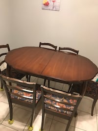 Dining table Mississauga, L5B 2C9