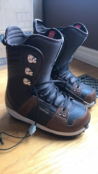 Brown Leather Snowboard boots Grimsby, L3M 1C1