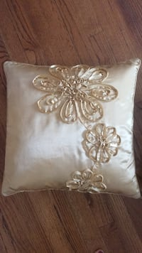 Set of 2 gold floral pillows Ashburn, 20148