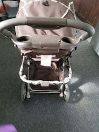 baby stroller  Montreal, H4L 5H6