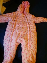 baby's pink and light pink winter snow suit Toronto, M9M 2T7