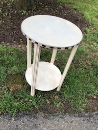 Shabby chic end table Germantown, 20876