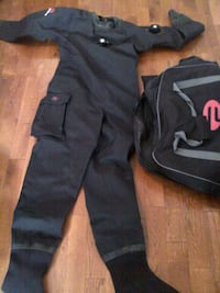 Scuba dry suit with thermal liner and carry bag Providence