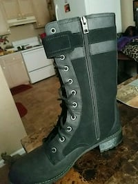 unpaired black leather high-top boot Winterville, 28590