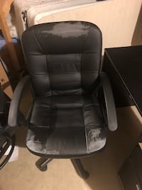 black leather padded rolling armchair Pasadena, 21122