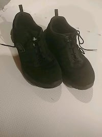 pair of black-and-gray running shoes London, N5V 4N5