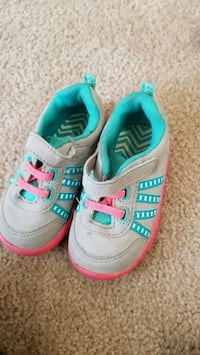 pair of gray-and-teal Nike sneakers Tuscaloosa, 35404