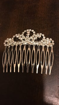 silver-colored hair comb with clear gemstones Bristol, 37620