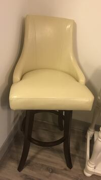 white leather padded rolling chair Mc Lean, 22182