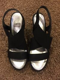 Black shoes size 7  Silver Spring, 20910