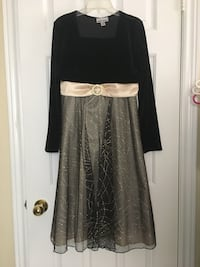 Girls black and gold size 16 dress  Toronto, M1B 1G5