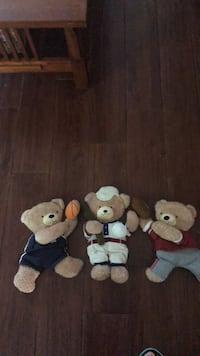 Baby boys wall decorations, excellent condition, baseball, football, and basketball players, little bears, really cute! San Antonio, 78240