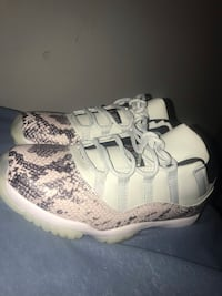 Jordan 11 light bone low's Edmonton, T6V 0B2