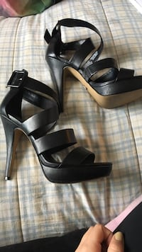 Size 10 black rock and republic heels