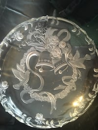 Xmas serving plate never used  Keswick, L4P 1X8