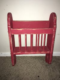 Very nice distressed wooden hanging magazine rack  Kettering, 45440
