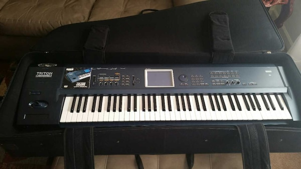Korg Triton Extreme 76 Key Workstation