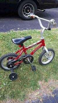 "Boys Red 12"" Huffy bike  Toronto, M1X 1G9"