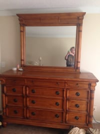 dresser with mirror Bradenton, 34210