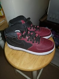 Boys Size 6.5 High top Airforce One  41 km