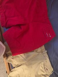 36 Red and Khaki Hollister shorts Carbondale, 18407