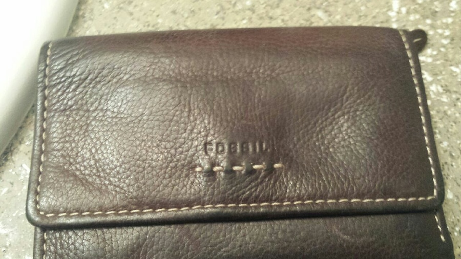 Photo Ladies Fossil wallet great condition brown