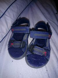 Toddler sandals size 6 London, N5W 4B9