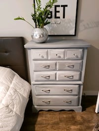 Sexy Shabby Chic Dresser PRICED TO SELL Calgary, T2T 4W1