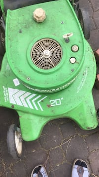 Law boy gas Fully serviced blade sharpened excellent working condition  Toronto, M1V