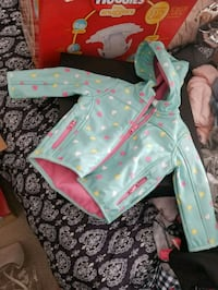 baby's white and pink floral print onesie Ottawa, K1T 0E4