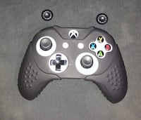 Xbox One Controller With Silicone grip Used Toronto, M3N 2B3