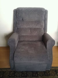 Hampton Medical lift chair Maple Ridge, V4R 2B6