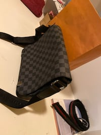 Louis Vuitton damier Graphite District PM
