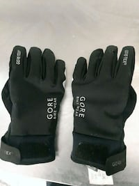 pair of black-and-gray gloves Toronto, M6G 2W4