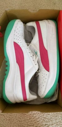 Puma sneaker size 6 1/2 MOVING FRIDAY NEED GONE Fredericksburg, 22406