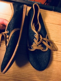 Never worn- Size 7 blue and tan canvas shoes Rantoul