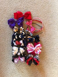 Assorted bows