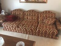 Brown and white floral fabric sofa St Catharines, L2M 6V3