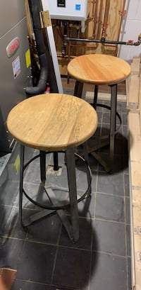 Round brown wooden table with two chairs Kensington, 20895