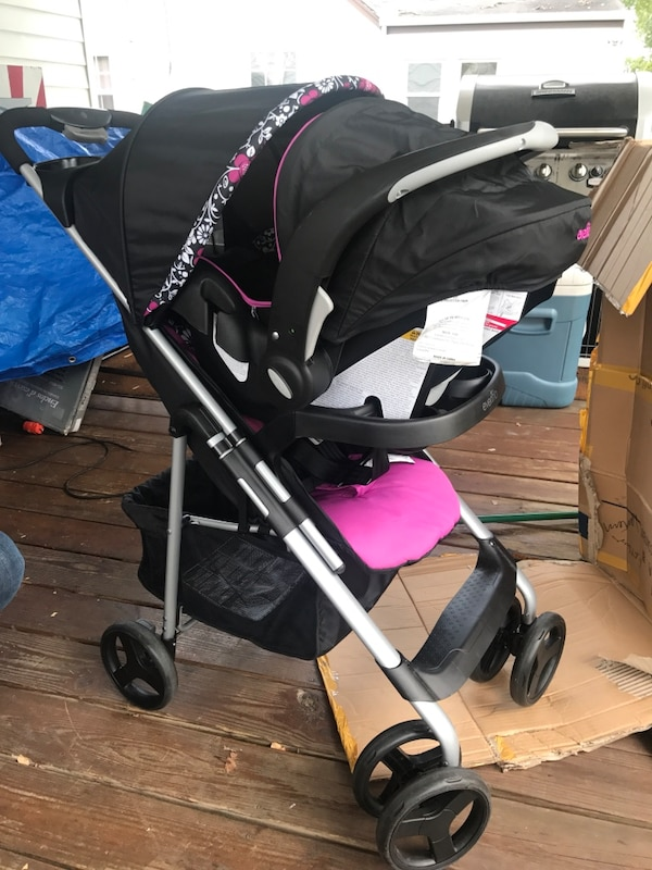 Evenflo Vive Travel System Stroller And Car Seat