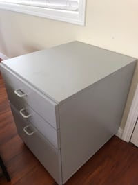 3 drawer filing cabinet Costa Mesa, 92627