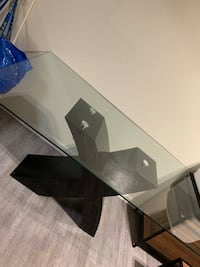 Glass dining table and chairs  Adelphi, 20783