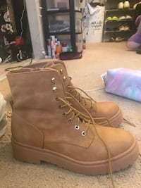 Brown boots brand new size 10